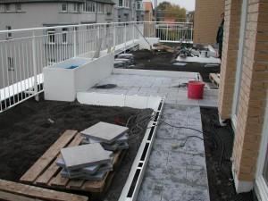 Dachterrase wird in garten umgewandelt