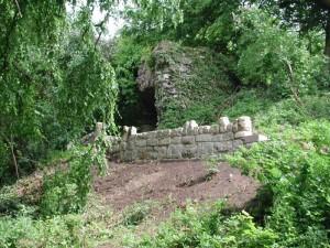 Grotte im Pflaumenberg